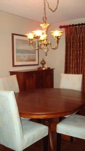 Oak Table Refinishing