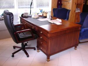 mahogany-desk